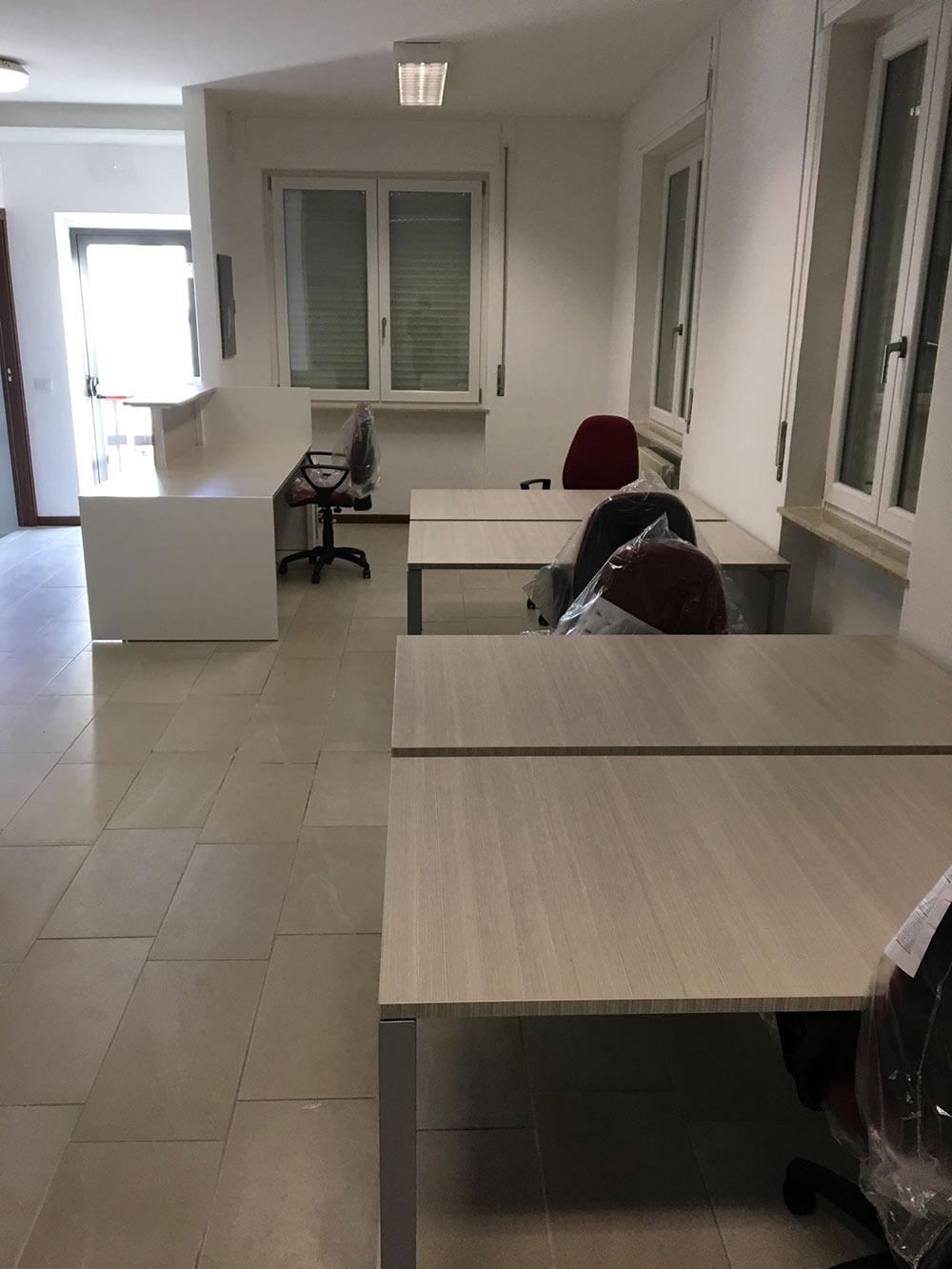 Realizzazione arredamento per comune di Valceresio - Comtec s.r.l. Via Dalmazia 51 20100 Varese